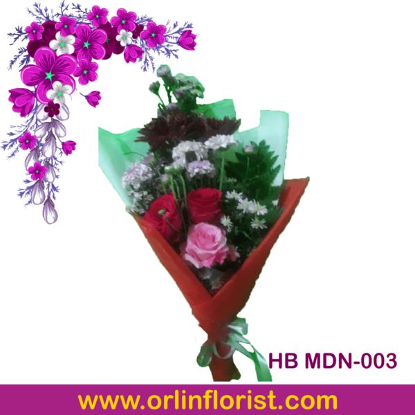 buket mawar dan bunga aster di madiun